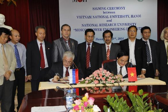 186. Signing MoU between MPEI and VNU