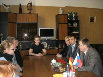 33. Meeting the students delegation from Technical University of Ilmenau with MPEI Vice-Rector Professor I.N. Zhelbakov